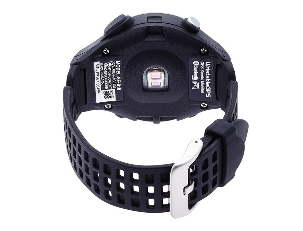 482c48abde 胸ベルト無しで心拍トレーニング。理想の走りを作り上げたいあなたに。 エプソン WristableGPS/脈拍計測機能搭載モデル/5気圧防水 /バイブ/タップ操作/ブラック